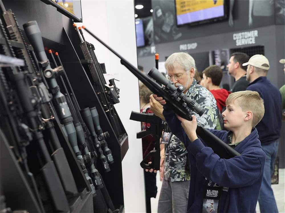 Armar a profesores acabaría con tiroteos