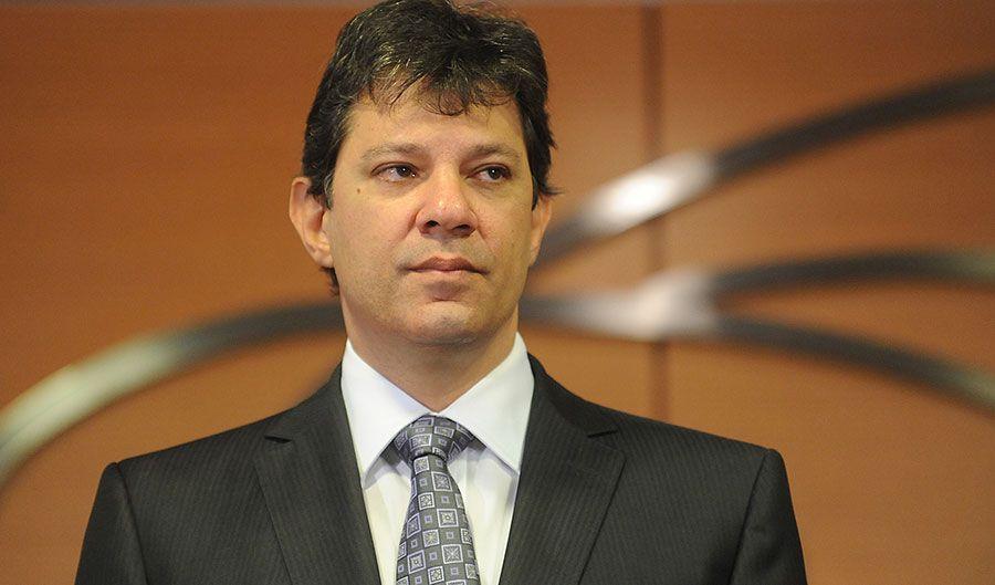 Lula no se entregará a autoridades, dice fuente vinculada al PT