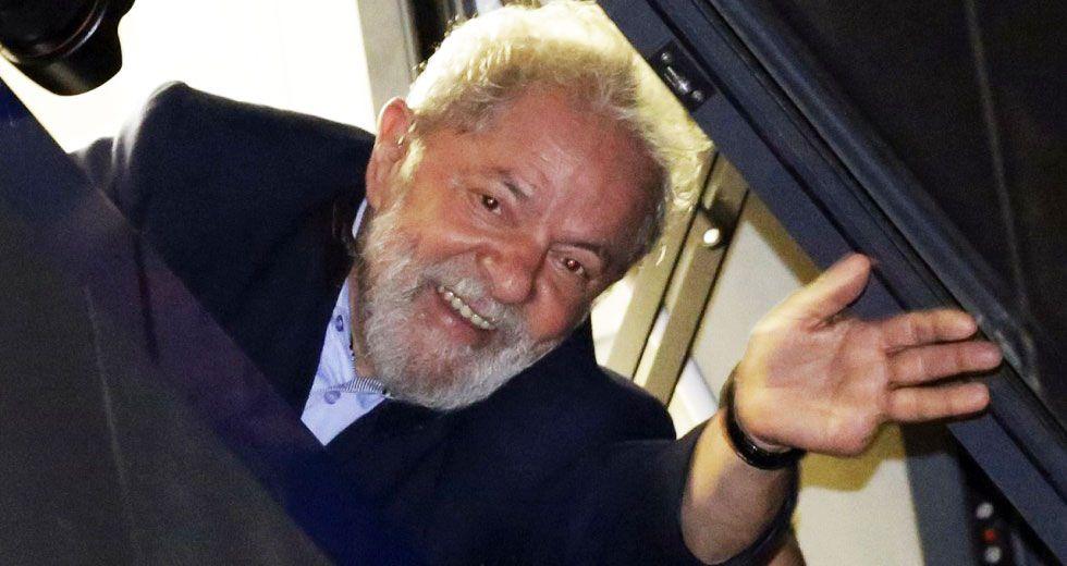 Lula no se entrega y su defensa presenta nuevo recurso
