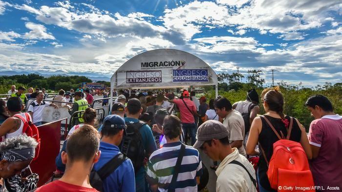 Maduro llama `mendigos´ y esclavos a jóvenes que dejaron Venezuela