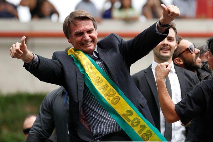 Gana Bolsonaro en Brasil, pero habrá segunda vuelta