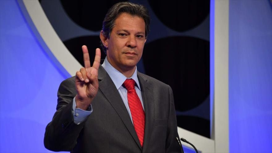 Presidenciables queman sus últimos cartuchos para convencer a indecisos — Elecciones en Brasil